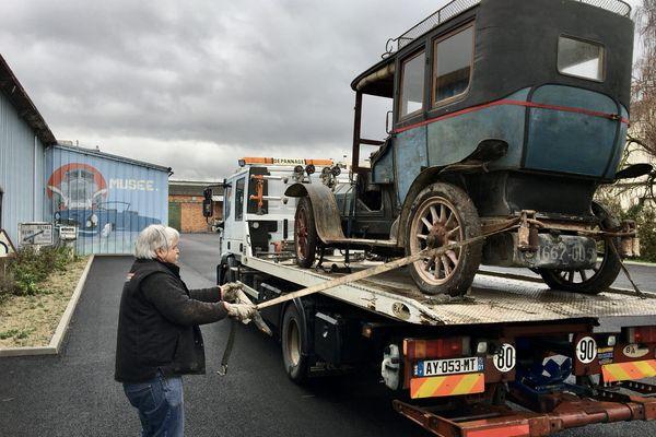 <p>Cette Rochet Schneider de 1905 sera visible au musée de l'automobile de Reims</p>