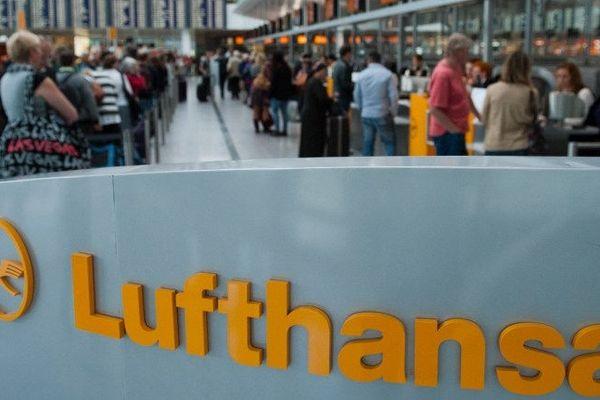 En raison des perturbations à venir, Lufthansa a déjà supprimé environ 50 vols qui étaient prévus jeudi, aussi bien sur des lignes intérieures qu'européennes ou intercontinentales.