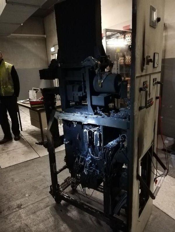Le disjoncteur de la station Marengo qui a été touché par un incendie vers 4h00 ce mardi matin.