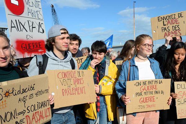 Manifestation le 9 mai 2019 contre la venue du cargo Bahri Yanbu au Havre