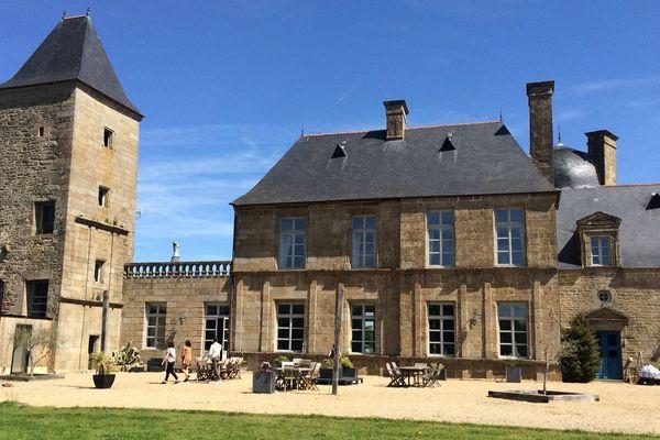 Le Château du Bois Guy a été désigné lieu d'hébergement des sélections nationales.