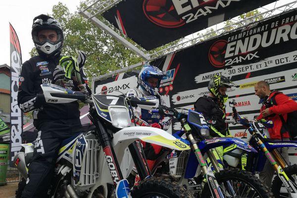 350 compétiteurs participent au Championnat de France d'Enduro 24MX, à Ambert, le 30 septembre et 1er octobre.