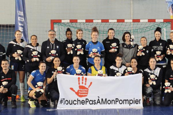 A l'occasion des 1/4 de finale de la Coupe de France de Handball, le TSCV apporte son soutien aux sapeurs-pompiers du Var, de plus en plus victimes d'agressions dans l'exercice de leur fonction.