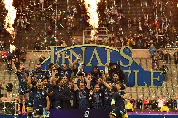 L'ASM Clermont Auvergne a soulevé vendredi 10 mai le trophée de Challenge Cup.