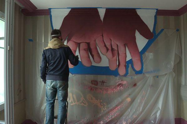 L'établissement étoilé a confié la décoration de ses chambres à des artistes graffeurs.