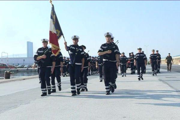Répétition du défilé du 14 juillet, du Bataillon de Marins-Pompiers de Marseille, sur la digue du large.