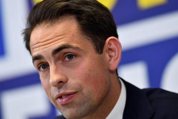 Tom Van Grieken, leader du Vlaams Belang, lors d'une conférence de presse le 27 mai à Bruxelles.