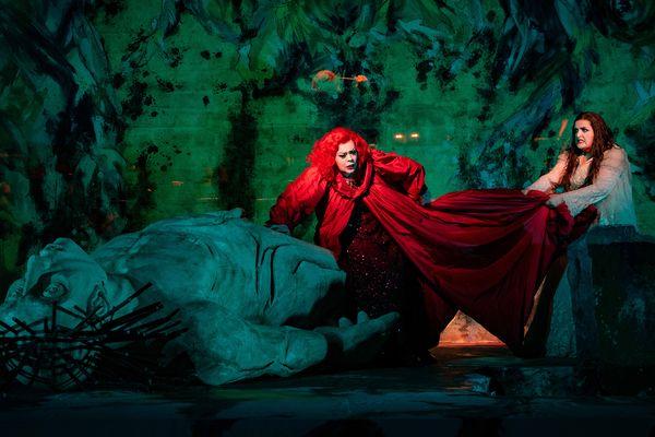Elektra - Violeta Urmana (Clythemnestre) et Ricarda Merbeth (Elektra)