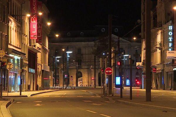 Les rues de Mulhouse, au moment de l'instauration du premier couvre-feu, le 22 mars 2020