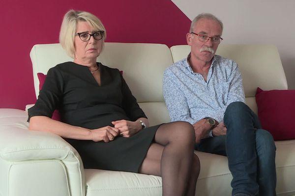 Isabelle Fouillot et Jean-Pierre Fouillot, les parents d'Alexia Fouillot, mariée Daval, attendent le procès de Jonathann Daval avec impatience.
