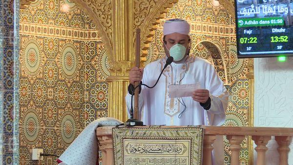 """""""Tout musulman doit condamner ce crime"""" l'imam de la mosquée Al Rahman."""