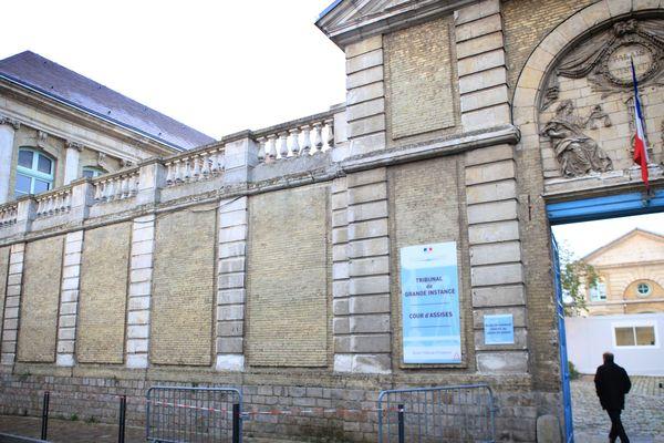 Le procès en appel des trois frères se tient devant les assises du Pas-de-Calais à Saint-Omer