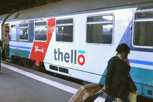 Thello exploite depuis décembre 2014 trois allers-retours par jour d'un train classique entre Nice et Milan (dont un est prolongé certains jours depuis Marseille).