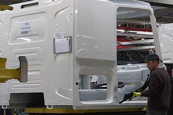 L'entreprise Renault Trucks est spécialisée dans la fabrication de véhicules de moyen tonnage et de cabines de camions