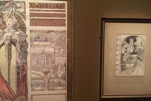 Des affiches d'Alphonse Mucha.