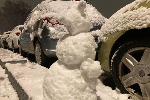 Difficile de ne pas sortir.. le temps de faire son bonhomme de neige