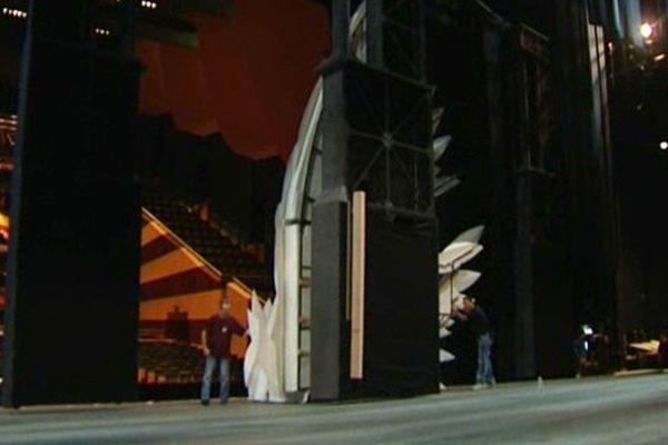 Les équipes techniques finalisent les décors du Ring à l'Opéra de Dijon