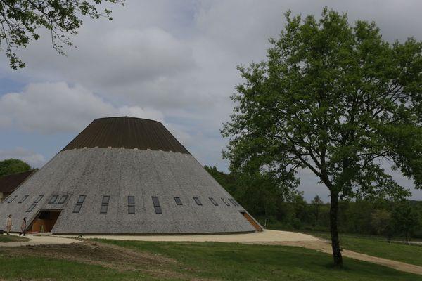 La pyramide du loup ouvre au public dimanche 6 mai.