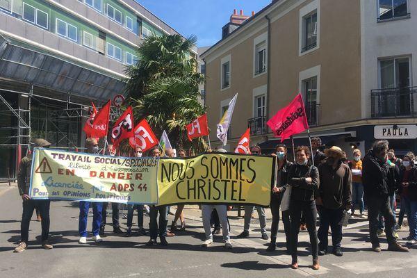 Une quarantaine de personnes se sont retrouvées devant l'ADPS de Nantes pour afficher leur soutien à Christel Husson.