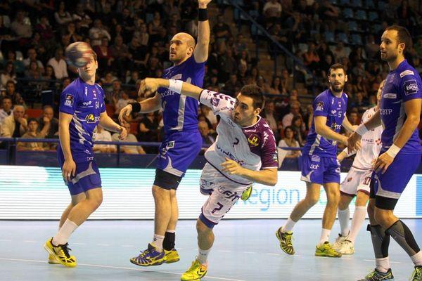 1/4 de finale de la coupe de France de Handball opposant Billère à Nantes, au Palais des sports de Pau le 13 Avril 2014