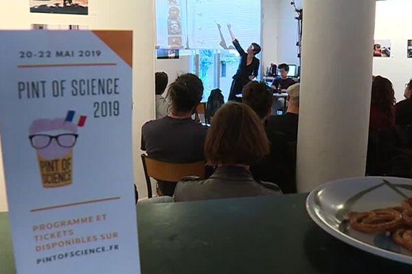 Le festival de vulgarisation scientifique Pint of science a lieu dans 7 bars de Montpellier - 20/05/2019.
