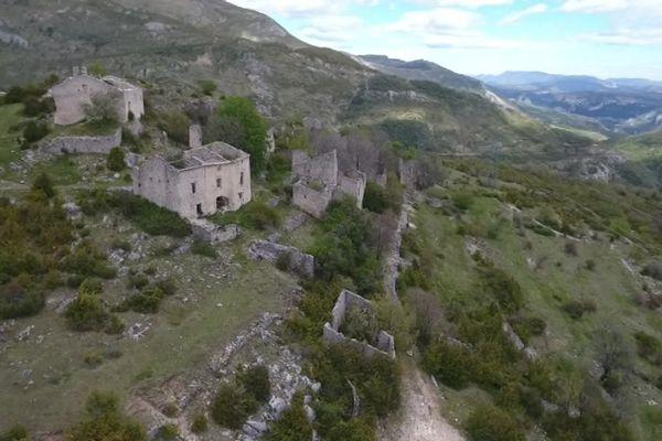 Le dernier habitant de Châteauneuf-lès-Moustiers a quitté le village en 1932