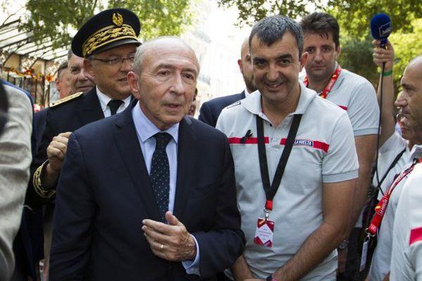 Le ministre de l'intérieur Gérard Collomb au départ de la Vuelta à Nîmes, le tour d'Espagne - 19 août 2017