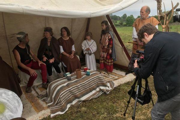 Une quarantaine de militants de Eau Bien Commun 63 a tourné une adaptation d'Astérix sur le plateau de Gergovie