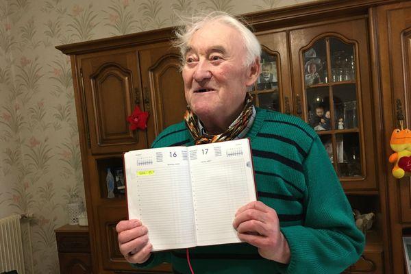 Bernard a déjà noté la date où il recevra la deuxième dose du vaccin contre le covid.