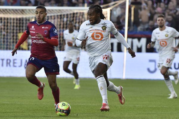 Duel entre Akim Zedadka et Renato Sanches lors du match Lille-Clermont