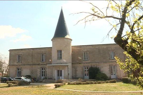 Le château Tenet à Mérignac accueille depuis 3 mois 15 mineurs isolés, des migrants venus d'Afrique