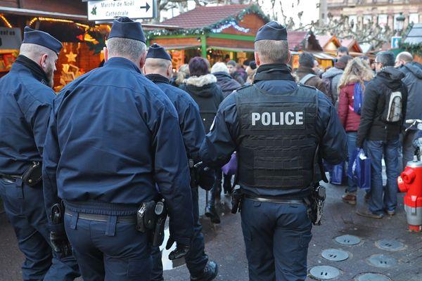 Des patrouilles de police sont régulièrement mises en place dans les marchés de Noël. (Photo d'illustration)