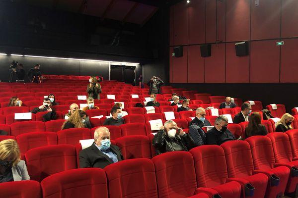 Les élus de la CAB avaient pris place dans le théâtre de Furiani