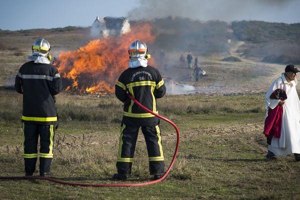 Plein feu sur la Saint Goustan célébrée à Hoëdic. C'est l'un des reportages du premier numéro de la revue ÎL(e)S.