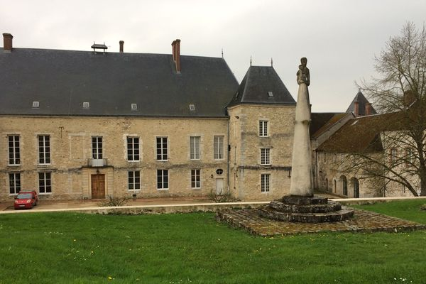 Les deux prêtres mis en cause exerçaient au Foyer de charité de Baye qui accueille des retraites spirituelles dans la Marne.