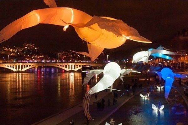 Samedi 28 décembre à 18 heures 30, rendez-vous autour du Miroir d'eau, promenade du Paillon - Nice.