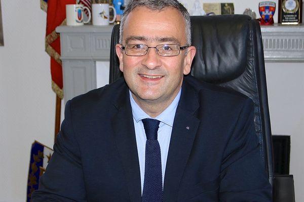 Jacques Breillat à la tête des candidats de droite pour les départementales 2021 en Gironde. Il est actuellement patron du groupe dans l'assemblée et maire de Castillon la Bataille dans le Fronsacais.
