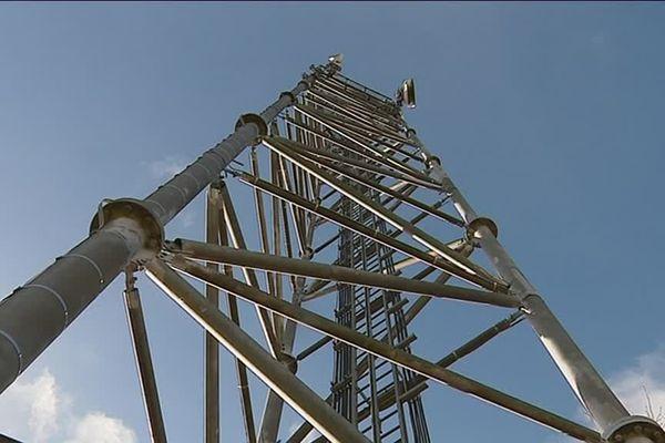 La première antenne multi-opérateurs du département a été inaugurée lundi 10 décembre 2018 à Lestrade, dans le sud de l'Aveyron.