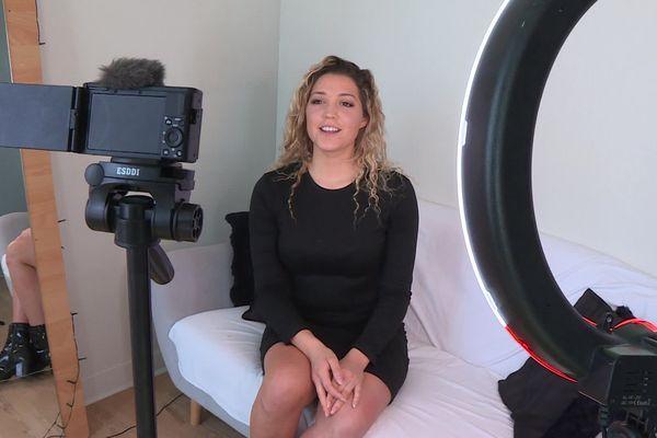 Shanice Tafforeau, alias FitShanice, s'est spécialisée dans les vidéos de bien-être physique et mental.
