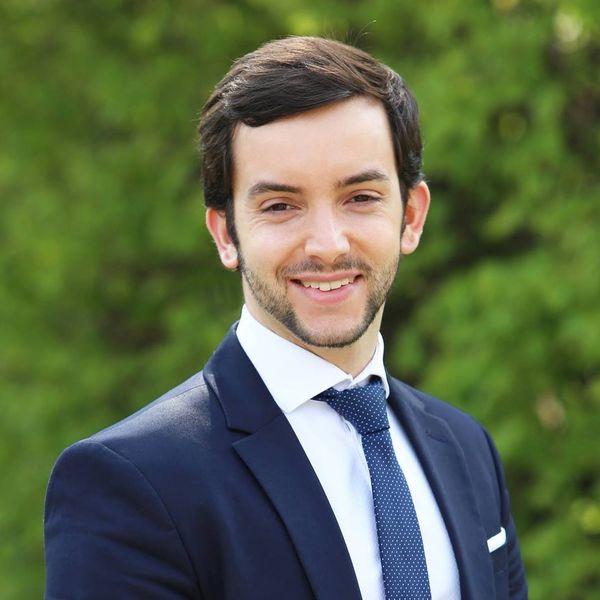 Photo officielle de Jean-Philippe Tanguy qui rejoint les listes conduites par Sébastien Chenu pour le RN aux élections régionales dans les Hauts-de-France