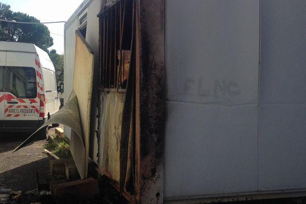 27/10/16 - Un incendie a touché un bâtiment préfabriqué des Restos du Coeur à Bastia (Haute-Corse) dans la nuit de mercredi.