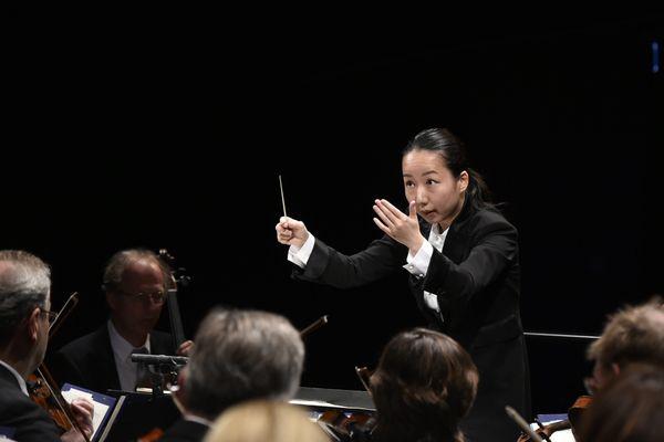 La Japonaise Nodoka Okisawa, 32 ans, finaliste du 56e Concours international de jeunes chefs d'orchestre de Besançon, le 21 septembre 2019.