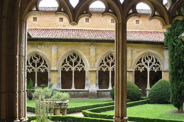 Cloître de l'abbaye de Cadouin (24)