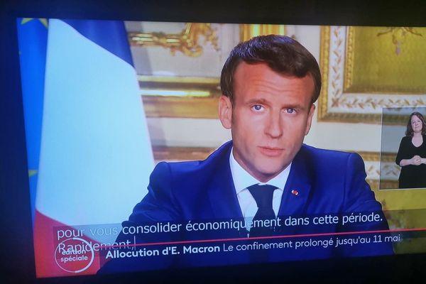 Le Président Emmanuel Macron a prolongé le confinement jusqu'au 11 mai, avec une sortie progressive pour certains, mais pas pour les restaurateurs © JPS