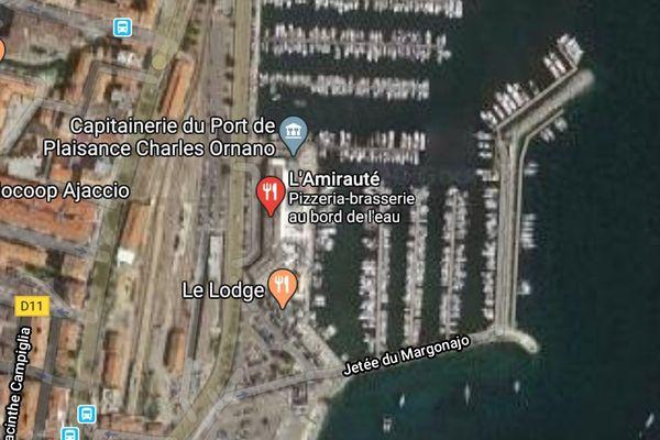 L'accdent s'est produit dimanche soir face au port de l'Amirauté à Ajaccio.