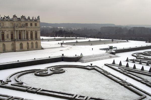 Les jardins du château de Versailles sous la neige, le 5 février 2018.