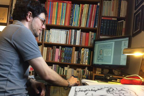 Le dessinateur Christophe Tardieux, alias Remedium, à l'origine d'une BD en hommage à la mort de l'enseignant Jean Willot.