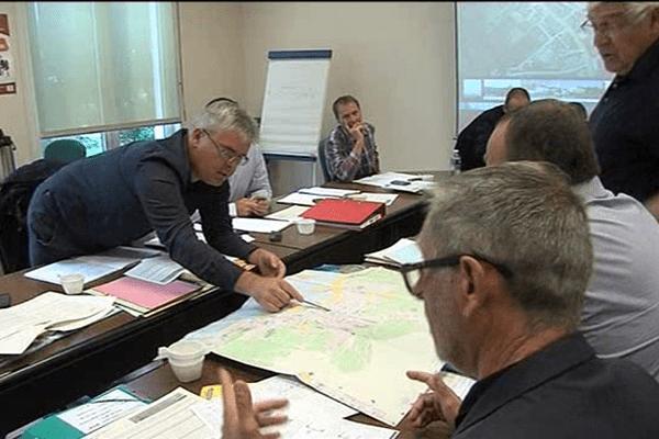 Réunion de travail des équipes techniques d'ASO ce mardi à Saint-Lô pour préparer le grand départ 2016 dans la Manche