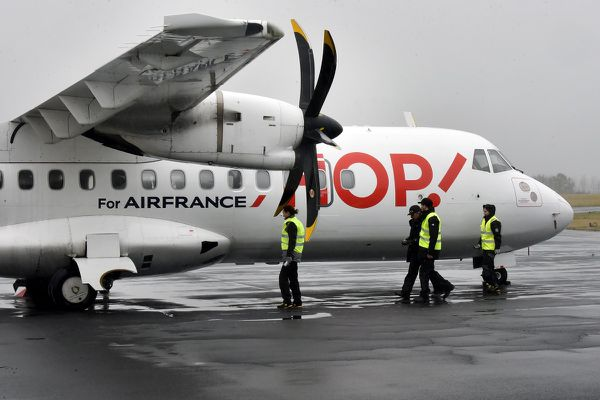 Une enquête a été diligentée par le BEA (Bureau d'Etudes et d'Analyses de la sécurité de l'aviation civile) pour déterminer les causes de l'incident du vol Paris-Aurillac, le 25 mars 2018.