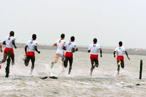 """La course phare reste celle """"contre la mer"""", au moment de la marée montante."""